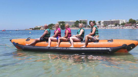 actividad banana boat ski pepe watersports ibiza en es canar