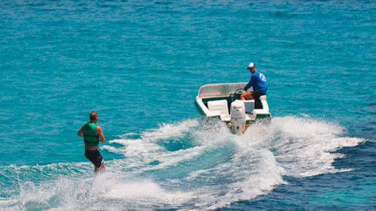 wakeboard de ski pepe watersports en Ski Pepe Ibiza